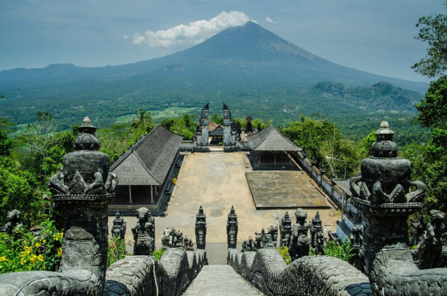 Private Taxi from Kuta to Lempuyang Temple (Affordable Cost)