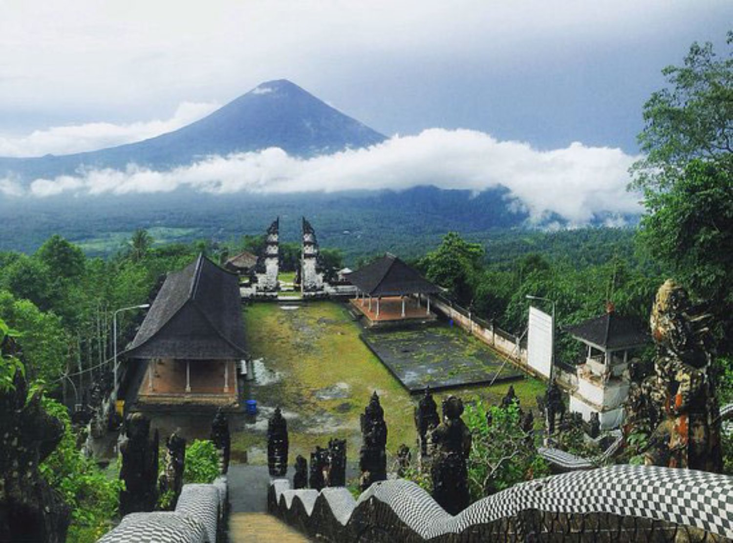 Agung Mount View from Lempuyang Temple